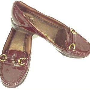 Life Stride Burgundy Patent Leather Loafers Sz ?